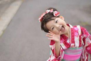 子供の浴衣の選び方どっちを選ぶ?清楚で伝統的か今風浴衣ドレス?