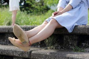 膝の黒ずみを取るケア方法とは?見せたい脚を手に入れるお手入れ術