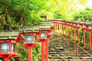 貴船神社へのアクセスは京都駅からだとバスと電車のどちらが良い?