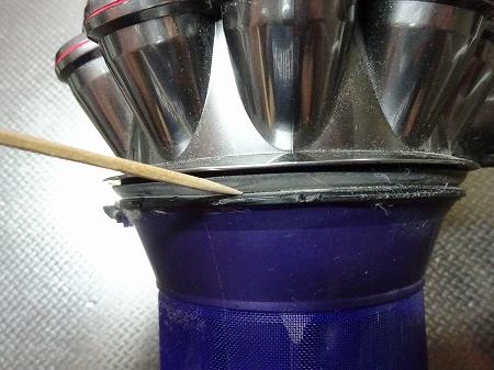 ダイソンの掃除機を分解して手入れしてみた!特別な道具なしでの挑戦!