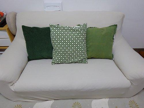 ソファーカバーがずれる!ズレ防止方法で簡単で安上りなのはコレだった!