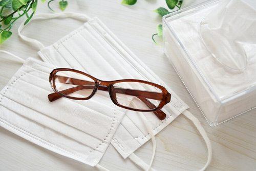 マスクで眼鏡が曇らない方法5つ曇るときのおすすめ対策法はコレ