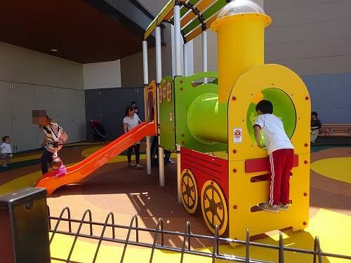 ジアウトレット広島のキッズスペースや子供服ブランドは?子連れで楽しむ!