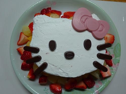ひな祭りにケーキを手作りしてみたら安上がりに!キットを使った手抜きの様子
